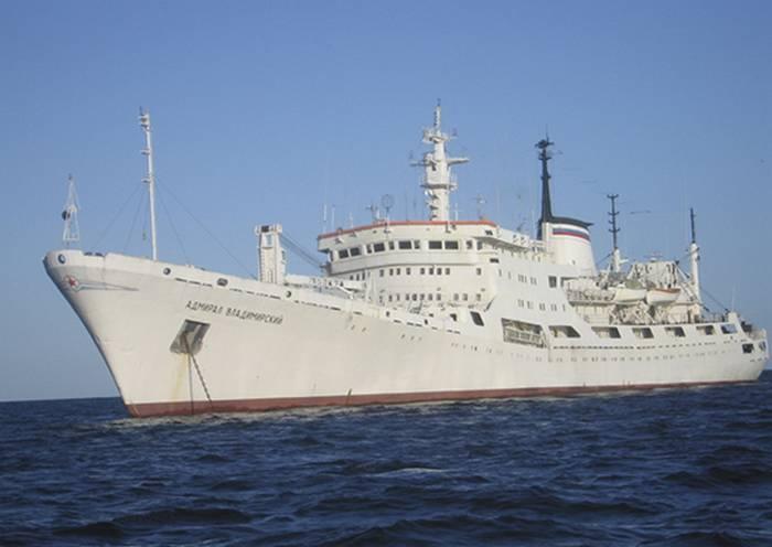 Океанографическое судно ВМФ РФ «Адмирал Владимирский» произвело промер глубин на переходе из Балтики в Средиземное море