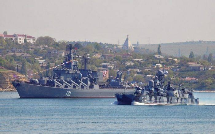 黑海舰队开始进行大规模的船只演习