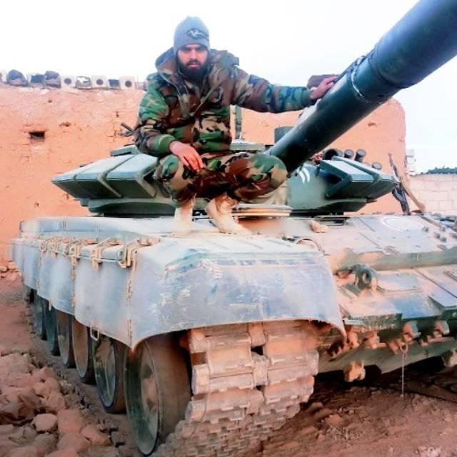 시리아의 해병 특공대는 탱크 T-72B3를 받았다.