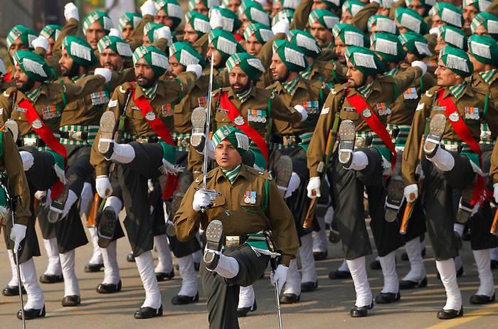 Die indischen Streitkräfte behaupten, es mangele an qualifiziertem Militär