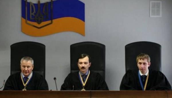 La direzione dello stabilimento Poroshenko ha impedito l'uscita delle navi ucraine da Sebastopoli