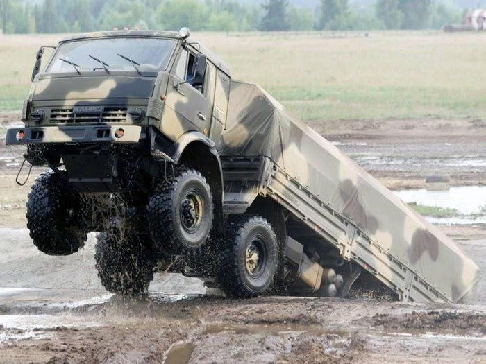 """Dans le district militaire central a reçu un lot de KamAZ """"Mustang"""" à traction intégrale"""