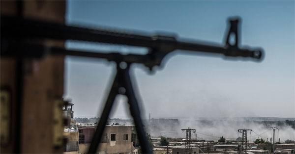 O ataque do AEA à posição de terroristas em Idlib