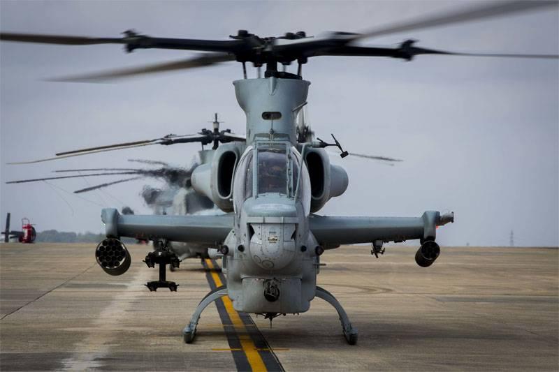 東京はワシントンにその軍のヘリコプターにもっと徹底的に奉仕するように頼みます
