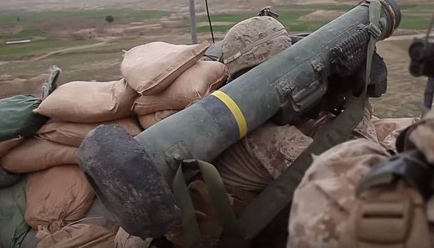 Which Ukrainian units in the Donbass already have American lethal weapons?