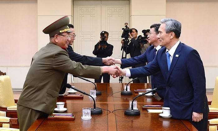 प्योंगयांग और सियोल सैन्य आपातकालीन लाइन को बहाल करते हैं