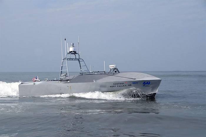 Marinha dos EUA armados barcos não tripulados