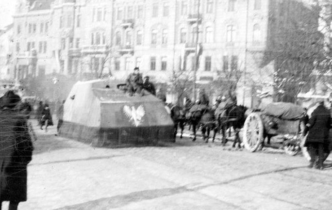 1515604874_tank-pisudskiego-6.jpg