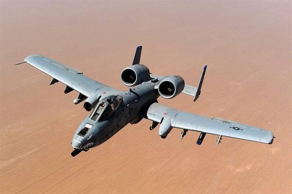 क्यों अमरीका में ए -10 हमले वाले विमानों की उड़ानें निलंबित हैं