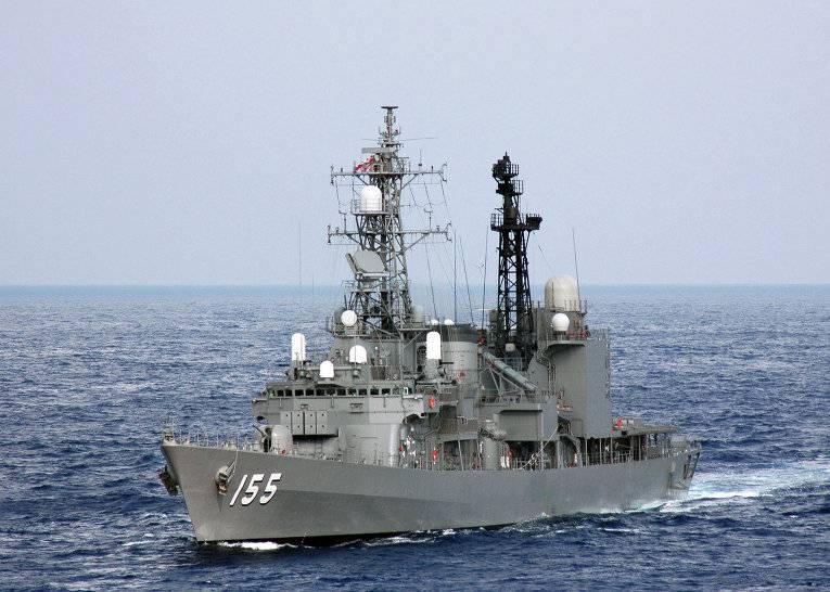 日本海軍はミサイル迎撃システムを使用する