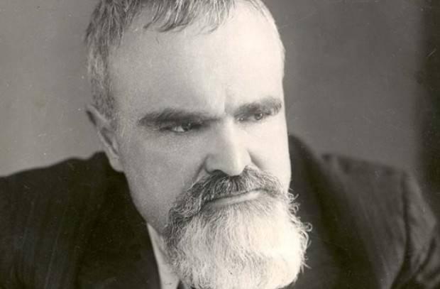 Artemy Artsikhovsky  - バーチ樹皮文字の発見者