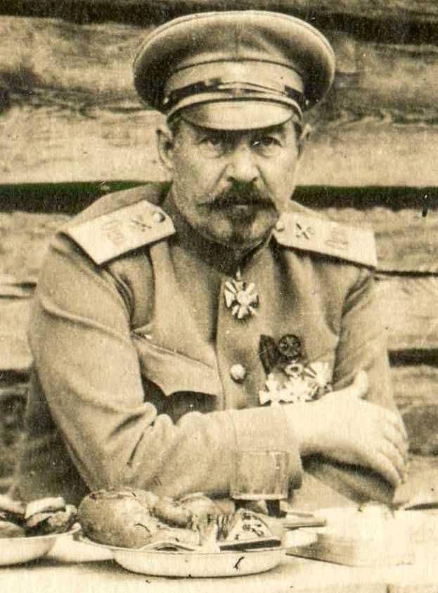 Nikolai Brzhozovsky - comandante della fortezza dei morti