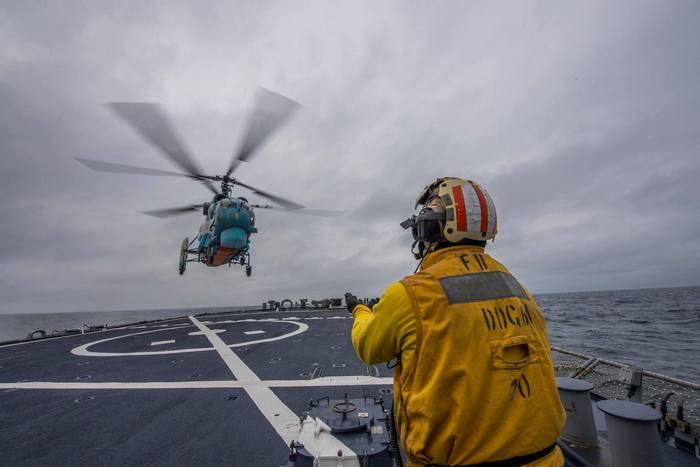 ウクライナ海軍はアメリカ海軍駆逐艦と共同演習を実施しました