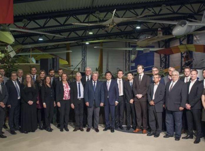 La empresa china adquirió la aeronave de diamante austriaca.