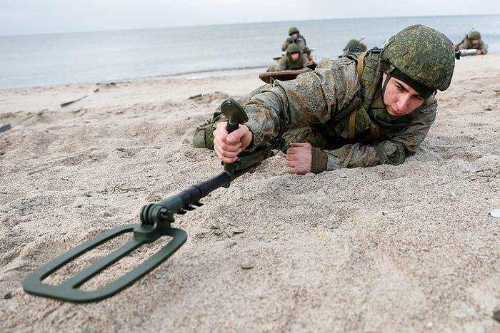 "Sappers of the Baltic Fleet conducted exercises to ""clean up"" the coast"