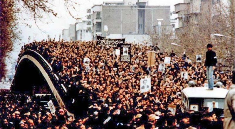 「イランのシャーを転覆させる方法。 1978では、反シャー運動の最後の段階が始まりました。」