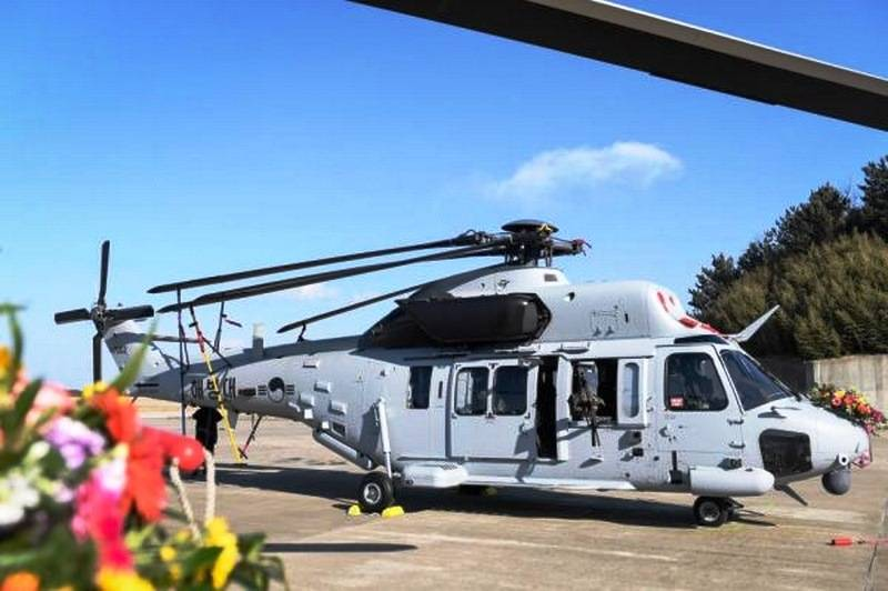 South Korean marines received the first domestic-made helicopters