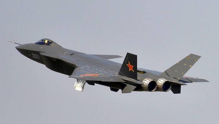 Força Aérea Chinesa realizou os primeiros exercícios de caça furtivos