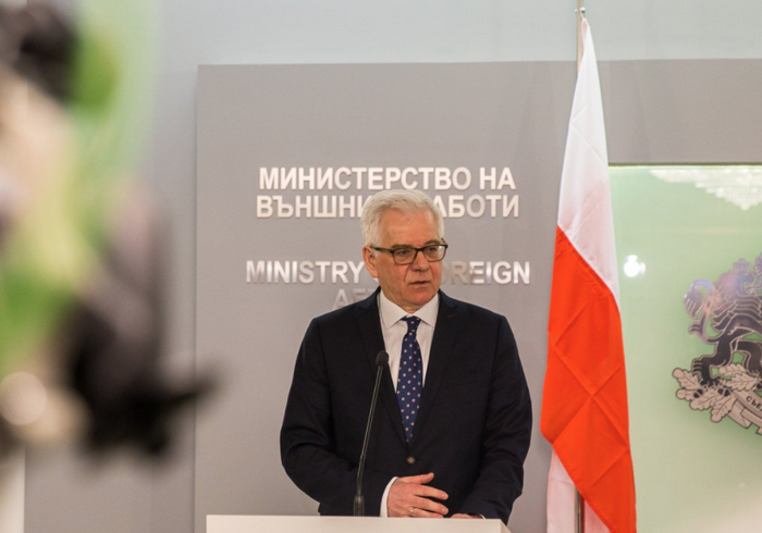 The Polish Foreign Ministry decided to dismiss all diplomats graduates of Russian universities