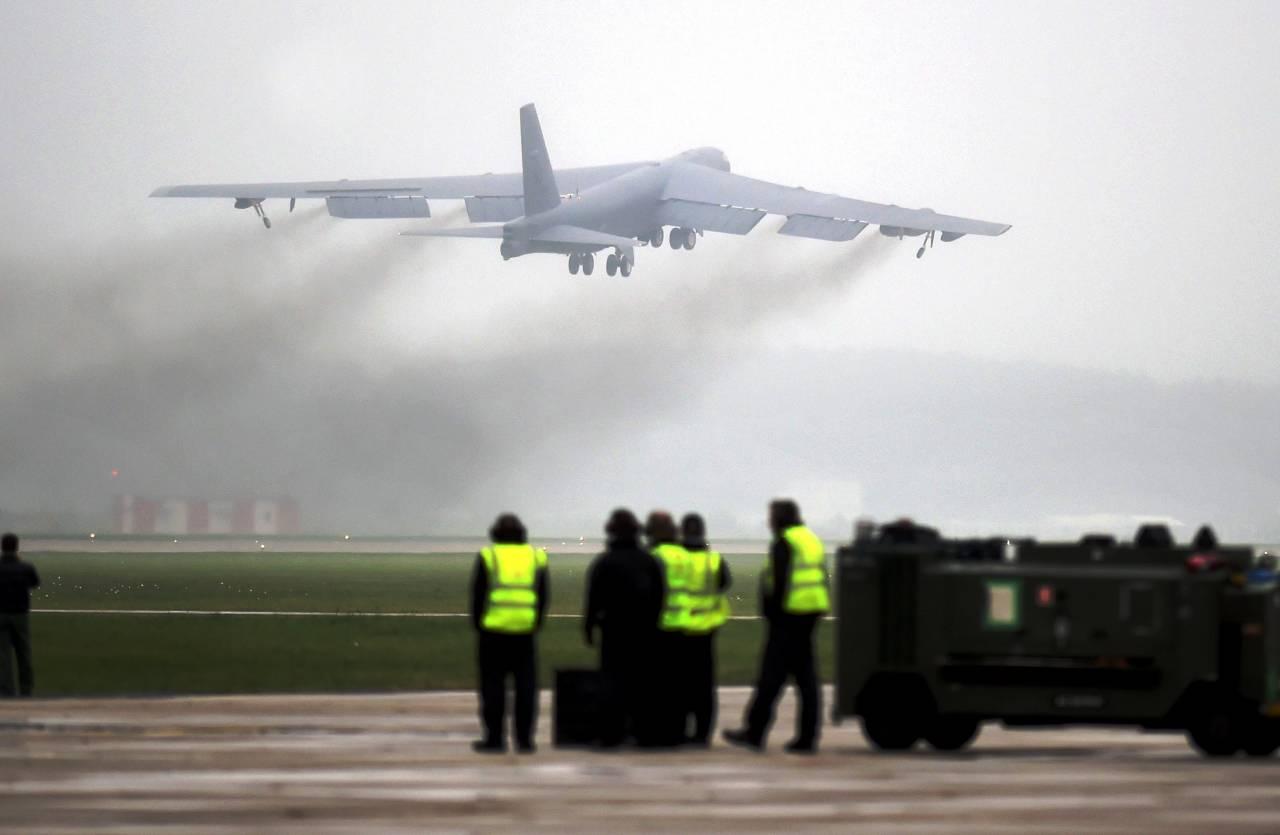 США располагают три типа стратегических бомбардировщиков кюгу отКорейского полуострова