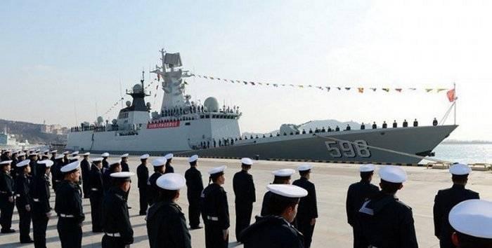 Çin Donanması'nda yeni firkateyn kabul edildi