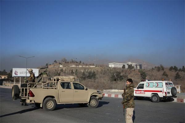 アフガニスタンでの国連代表団の車への攻撃。 人質
