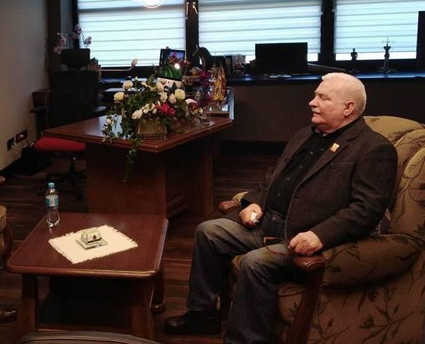 Lech Walesa: O fascismo floresce na Polônia
