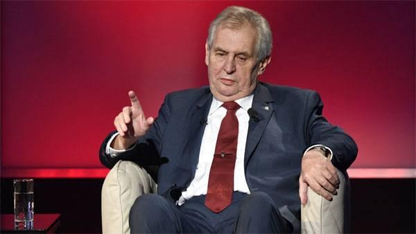 """Zeman은 체코 선거에서 """"러시아 특별 서비스의 간섭""""에 대한 상대의 진술에 대해 논평했다."""