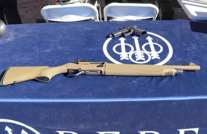 ベレッタは新しい戦術的な散弾銃を導入しました