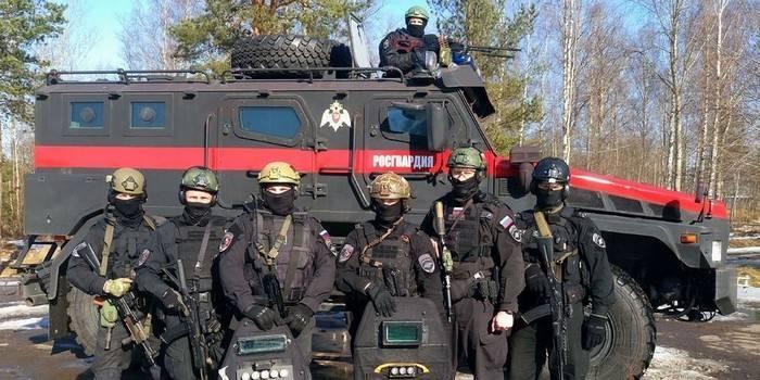 Rosgvardiyu穿着新的战斗装备