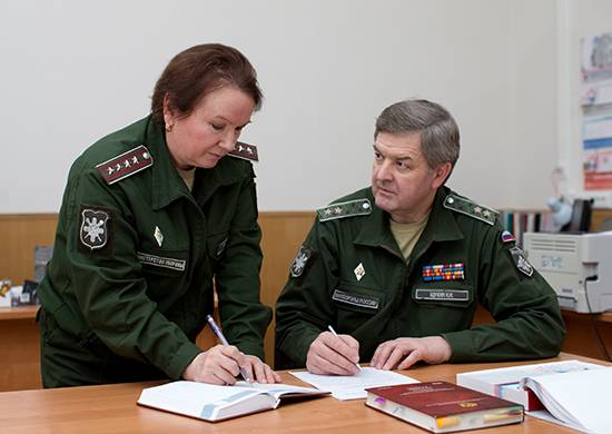 The Ministry of Defense will provide its civil servants with hats and caps