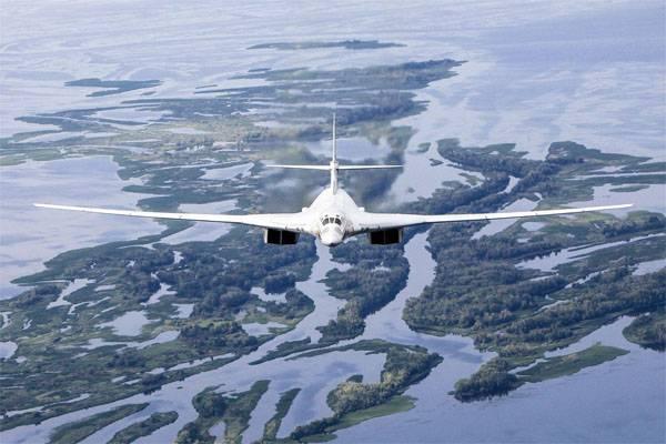 Le gouvernement a commencé à parler de la demande probable d'une version civile d'un avion supersonique