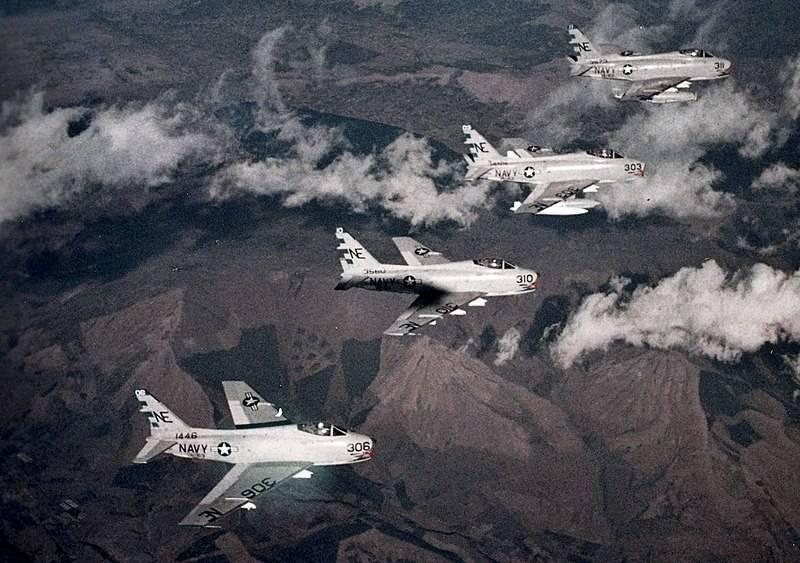 Палубный истребитель F-8 Crusader, его предшественники и потомки (Часть 1)