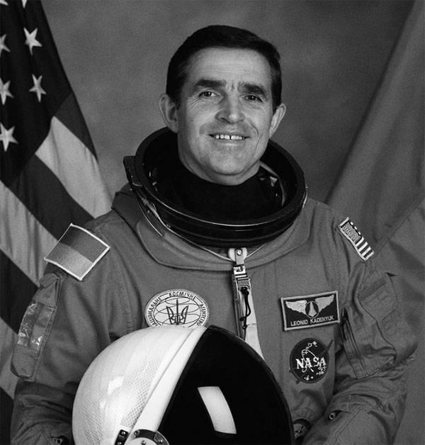 Кого Порошенко считает внесшими вклад в развитие космонавтики украинцами?