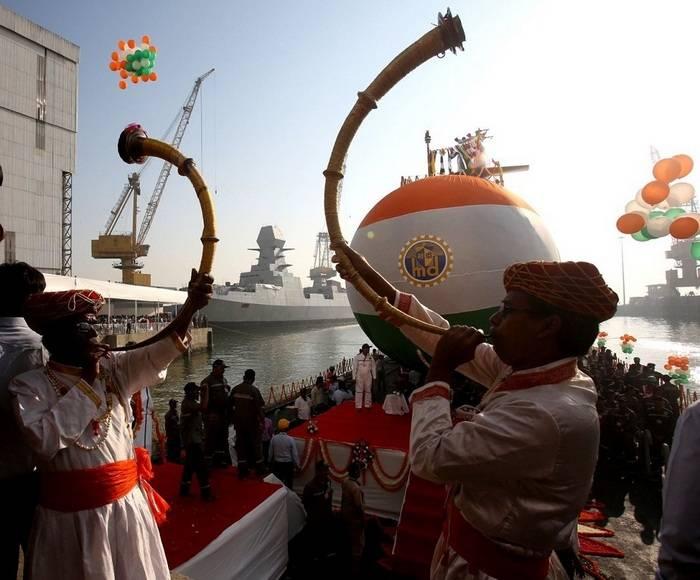 Tercer escorpeno para la armada india lanzado