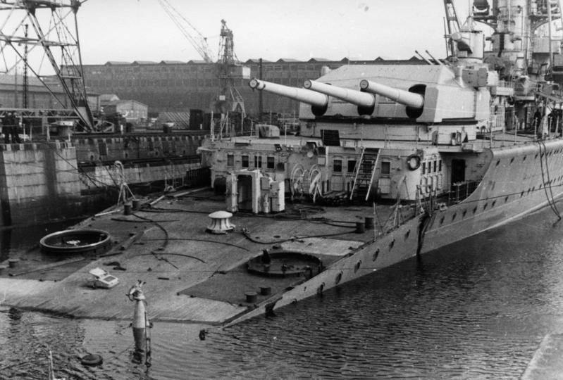 El Panzerschiffe. El anochecer de un genio alemán