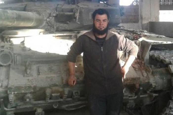 आतंकवादियों ने तस्वीरें लीं और खोए हुए टैंक खो दिए