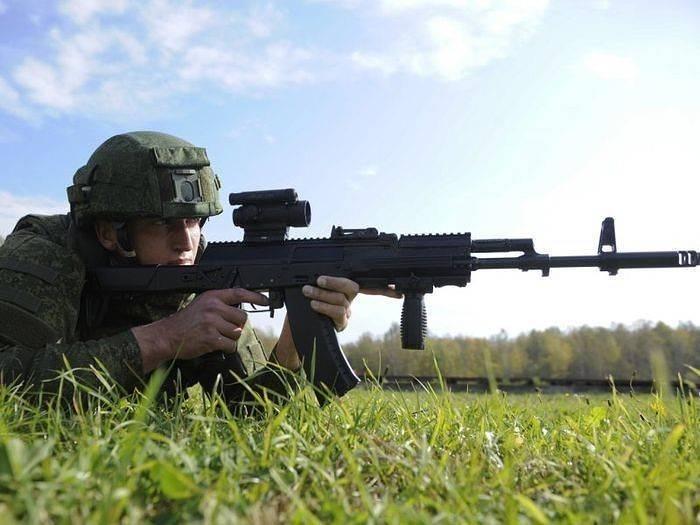 Kalashnikov lanza la serie AK-12