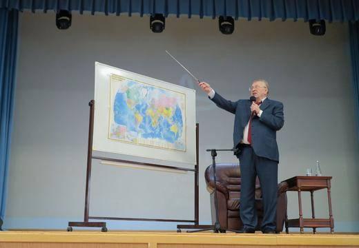 Vladimir Jirinovski a proposé de renommer Volgograd en Stalingrad