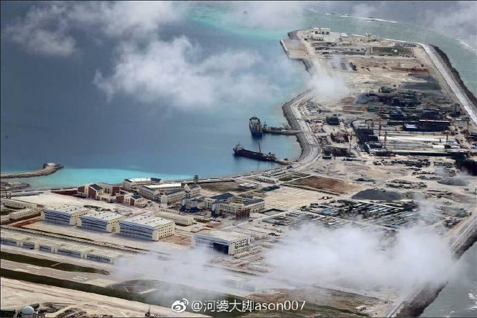 Китай продолжает строительство военной инфраструктуры на архипелаге Спратли