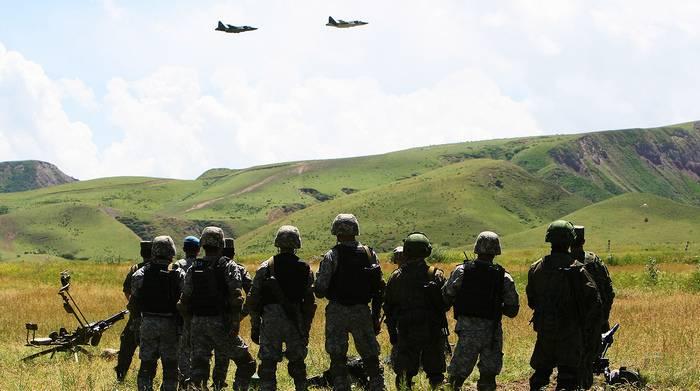 МИД объяснил усиление российских военных баз в Таджикистане и Киргизии