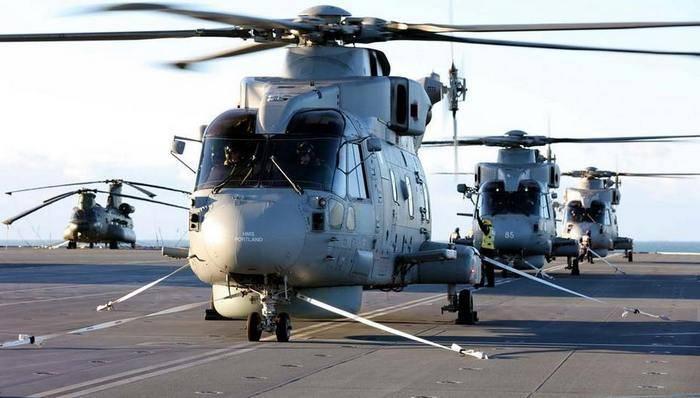 На британском авианосце Queen Elizabeth развернули первую вертолетную эскадрилью