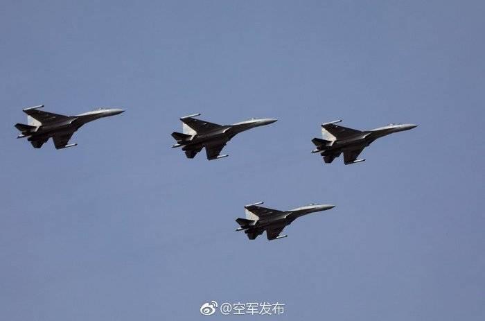 Китай продемонстрировал полученные от России Су-35