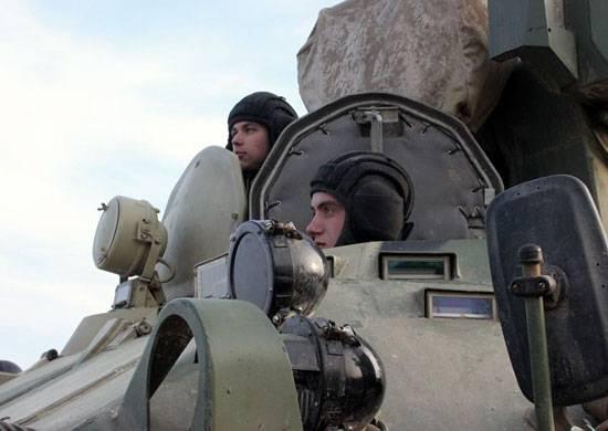 Die motorisierten Gewehre des South Military District werden im Rahmen der Übung alarmiert