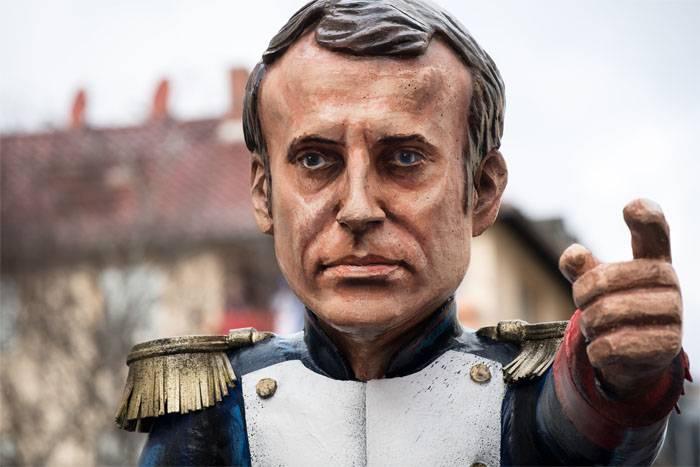 Картинки по запросу Макрон оказался британской «подстилкой»