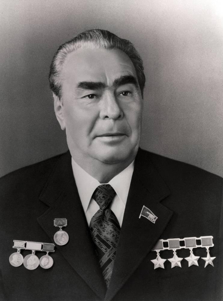 Проект «ЗЗ». Коммунизм обрёк СССР на отставание. Капитализм в России тоже привёл к застою