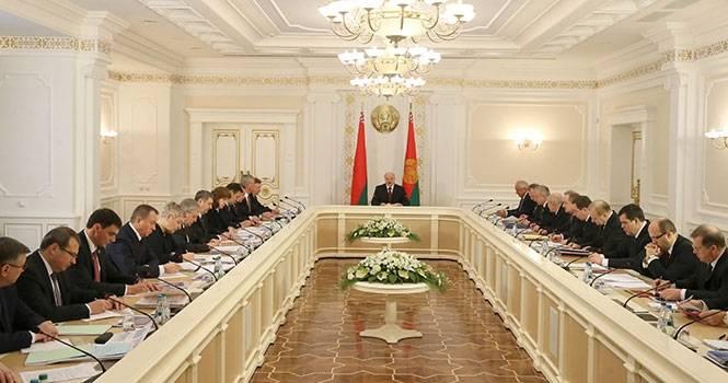 Die Republik Belarus als Überstruktur