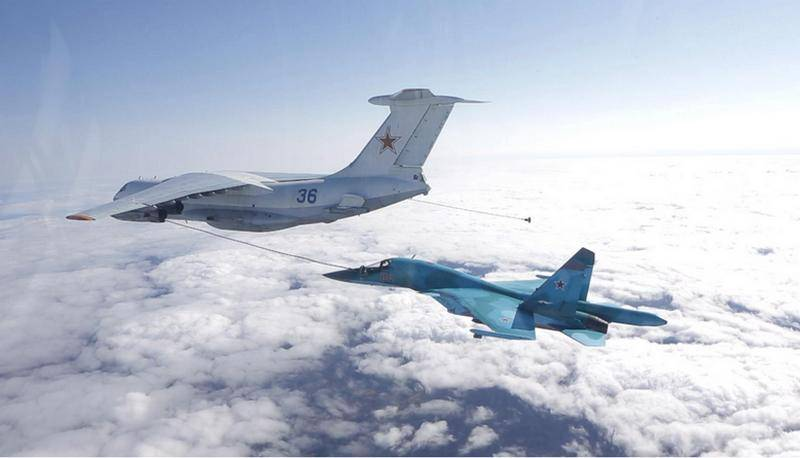During the exercises of VVO bombers worked refueling in the air