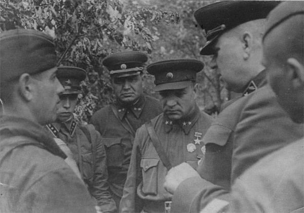 Der russische Präsident hat General A. I. Lyzyukov posthum mit dem Orden von Zhukov ausgezeichnet