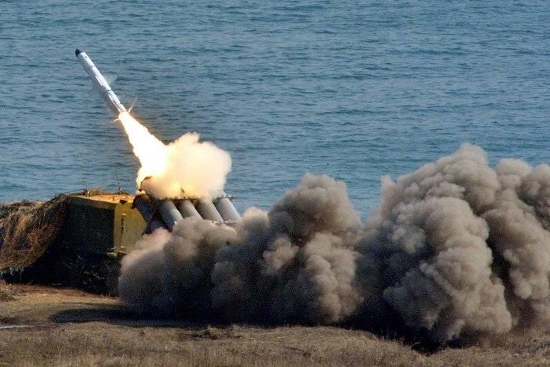 """Ракетные комплексы """"Бал"""" и """"Бастион"""" ЧФ провели учебные стрельбы"""